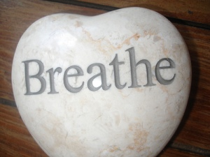 http://thehealthylivinglounge.com/2009/11/23/how-to-breathe-better/